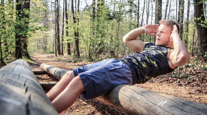 Jak budovat svalovou hmotu a rovnou spalovat tuky