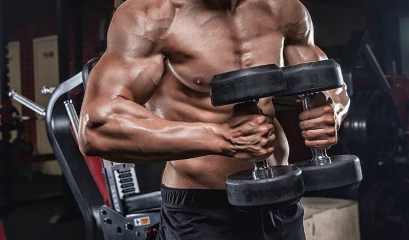 4 osvědčené způsoby, jak budovat větší svaly